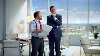 Jack in the Box Guacamole and Bacon Chicken Sandwich TV Spot, 'Top Floor' - Thumbnail 2