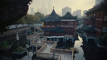 Apple iPhone 7 Plus TV Spot, 'The City' Song by Walter Martin - Thumbnail 3