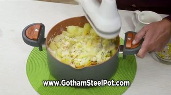 Gotham Steel Pasta Pot TV Spot, 'Perfect Straining' Featuring Daniel Green - Thumbnail 4