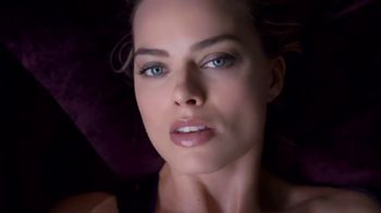 Calvin Klein Deep Euphoria TV Spot, 'In the Zone: Candle' Ft. Margot Robbie - Thumbnail 7