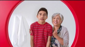 Target TV Spot, 'Target Run: Ojos Everywhere' [Spanish] - Thumbnail 4
