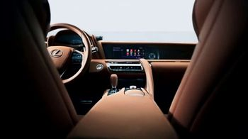 Lexus LC 500 TV Spot, 'Feats of Amazing' [T1] - Thumbnail 4