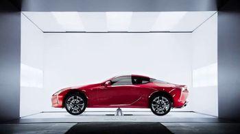 Lexus LC 500 TV Spot, 'Feats of Amazing' [T1] - Thumbnail 7