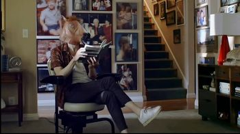 GoDaddy TV Spot, 'Horse Head Swivelly Chair'