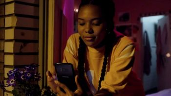 Samsung Galaxy S8 TV Spot, 'The Travel Guide' Song by Bomba Estéreo