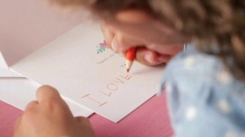 Hallmark Signature Cards TV Spot, 'Every Mom Has a Signature' Song by Meghan Trainor - Thumbnail 4