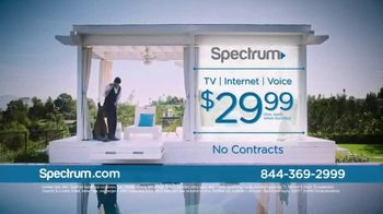 Spectrum TV Spot, 'Be Spectacular' Featuring John Stamos - Thumbnail 10