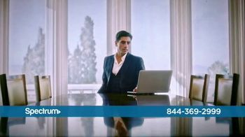 Spectrum TV Spot, 'Be Spectacular' Featuring John Stamos - Thumbnail 5