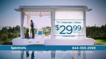 Spectrum TV Spot, 'Be Spectacular' Featuring John Stamos - Thumbnail 9