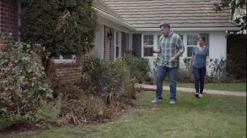 Lowe's Refresh Your Outdoors Event TV Spot, 'The Moment: Annuals' - Thumbnail 1