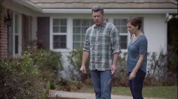 Lowe's Refresh Your Outdoors Event TV Spot, 'The Moment: Annuals' - Thumbnail 3
