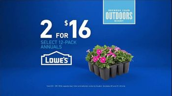 Lowe's Refresh Your Outdoors Event TV Spot, 'The Moment: Annuals' - Thumbnail 9