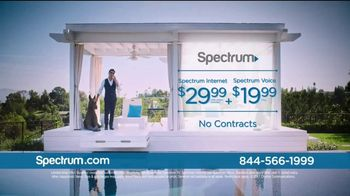 Spectrum Internet and Voice TV Spot, 'Stay Connected' Featuring John Stamos - Thumbnail 8