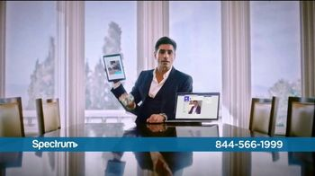 Spectrum Internet and Voice TV Spot, 'Stay Connected' Featuring John Stamos - Thumbnail 4
