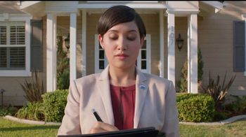 RE/MAX TV Spot, 'A RE/MAX Agent Knows' [Spanish] - Thumbnail 5