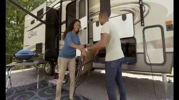 Camping World GrillFest TV Spot, 'Connect: 2017 Mallard M27' - Thumbnail 6