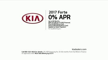 2017 Kia Forte TV Spot, 'Paint Test: Financing' [T2] - Thumbnail 10