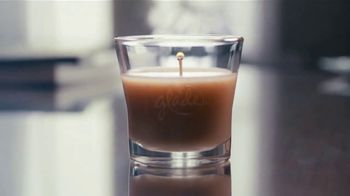 Glade Cashmere Woods Candle TV Spot, 'Courage' - Thumbnail 4