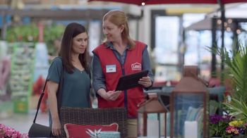 Lowe's Refresh Your Outdoors Event TV Spot, 'The Moment: Garden Treasures' - Thumbnail 4