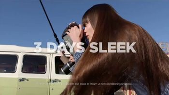 Garnier Fructis Sleek & Shine TV Spot, 'Super Sleek Hair' Song by ZZ Top - Thumbnail 10