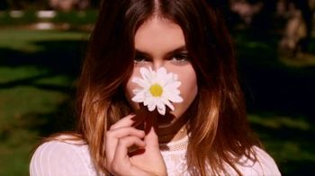 Marc Jacobs Daisy TV Spot, 'Natural Beauty' Featuring Kaia Gerber