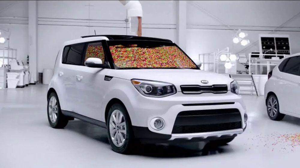 2017 Kia Soul TV Commercial, U0027Jelly Beans: Interior Roomu0027 [T1]   ISpot.tv