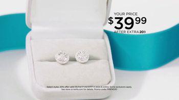 Kohl's Friends & Family Sale TV Spot, 'Gift for Mom' - Thumbnail 4
