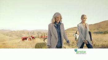 Prolia TV Spot, 'Farmers Market' Featuring Blythe Danner - Thumbnail 8