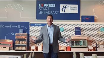 Holiday Inn Express TV Spot, 'Your Personal Pep Rally' Feat. Rob Riggle - Thumbnail 2