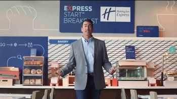 Holiday Inn Express TV Spot, 'Your Personal Pep Rally' Feat. Rob Riggle - Thumbnail 3