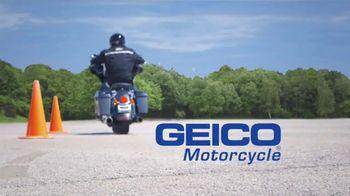 GEICO Motorcycle TV Spot, 'Safety Tips: Helmet' - Thumbnail 10