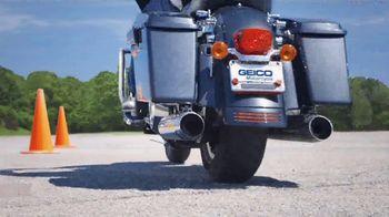 GEICO Motorcycle TV Spot, 'Safety Tips: Helmet' - Thumbnail 9