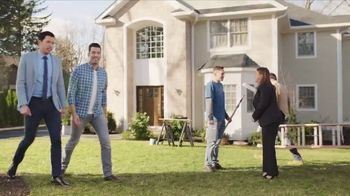 Chase TV Spot, 'Meet Your Robin' Featuring Drew Scott, Jonathan Scott