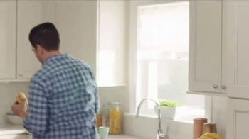 Chase TV Spot, 'Meet Your Robin' Featuring Drew Scott, Jonathan Scott - Thumbnail 5
