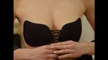Clever Cleavage TV Spot, 'Adjust Your Cleavage' - Thumbnail 4