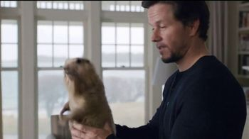 AT&T Internet TV Spot, 'No Extra Fees' Feat. Mark Wahlberg, Anjelica Huston - Thumbnail 7