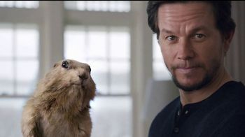 AT&T Internet TV Spot, 'No Extra Fees' Feat. Mark Wahlberg, Anjelica Huston - Thumbnail 8