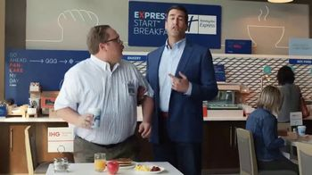 Holiday Inn Express TV Spot, 'Winning Move' Featuring Rob Riggle - Thumbnail 3