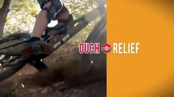Gold Bond Pain & Itch Relieve Antiseptic Spray TV Spot, 'Relief' - Thumbnail 3