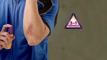 Gold Bond Pain & Itch Relieve Antiseptic Spray TV Spot, 'Relief' - Thumbnail 6