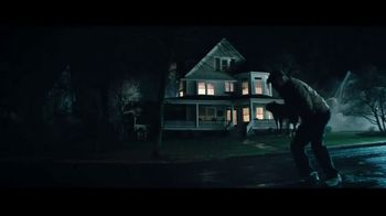 Esurance Mobile App TV Spot, 'Haunted House' - Thumbnail 9