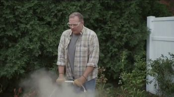 Lowe's Labor Day Savings Event TV Spot, 'Backyard Moment: Mulch' - Thumbnail 3