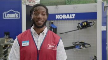 Lowe's Labor Day Savings Event TV Spot, 'Backyard Moment: Mulch' - Thumbnail 5