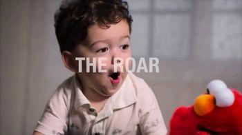 Tickle Me Elmo TV Spot, 'The Laugh Is Back' - Thumbnail 5