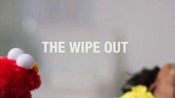Tickle Me Elmo TV Spot, 'The Laugh Is Back' - Thumbnail 7