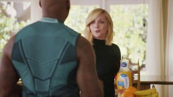 Tropicana Trop50 No Pulp Calcium + Vitamin D TV Spot, 'Trainer' - Thumbnail 9