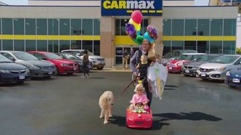 CarMax TV Spot, 'Quality Time With the Kids' Featuring Andy Daly - Thumbnail 6