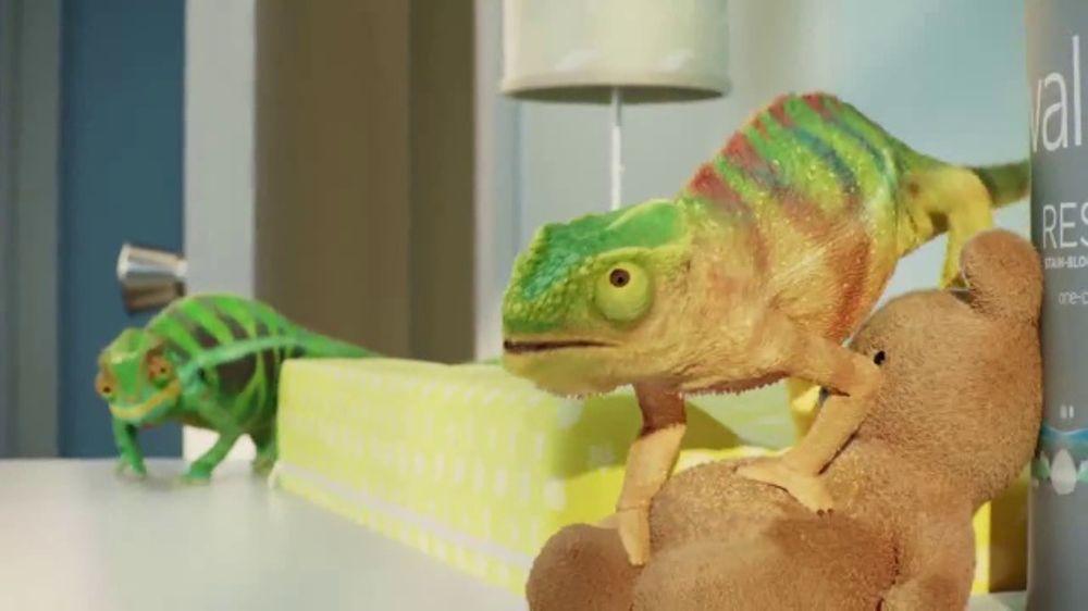 Valspar TV Commercial, 'Chameleons: It's Time'