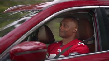 2017 Nissan Rogue TV Spot, 'Go Blue' Featuring Desmond Howard, Eddie George [T2] - Thumbnail 4