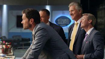 Element 4K UHD Smart TV TV Spot, 'Pretty Boys' Featuring Matt Leinart - Thumbnail 2